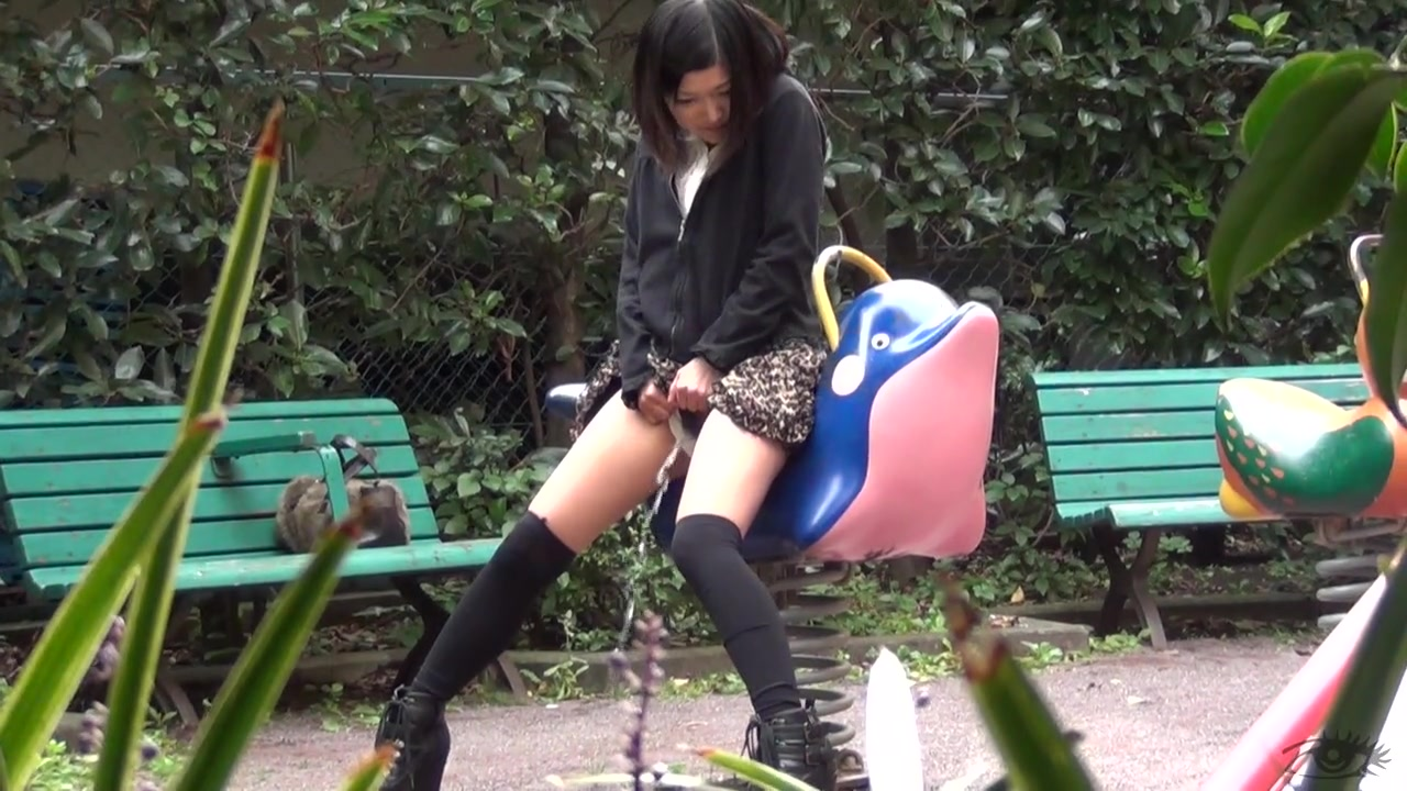 Oh Man, She Can't Stop Pissing - Scene 4